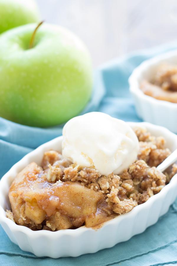 Slow Cooker Delicious Apple Crisp