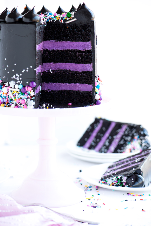 Black and purple Halloween cake ideas