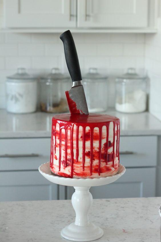 Bloody Knife Cake (Red Velvet)