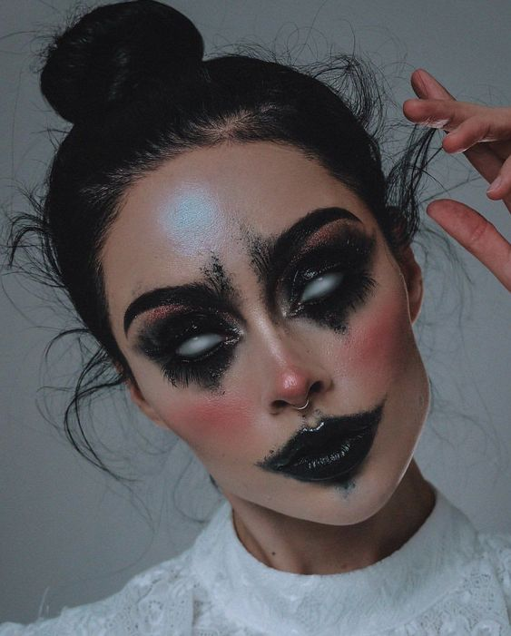 50+ Cute & Cool Halloween Makeup Looks To Recreate This Year