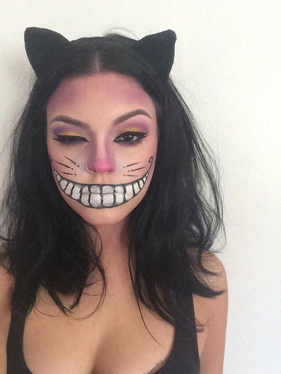 Pretty Cheshire cat makeup look