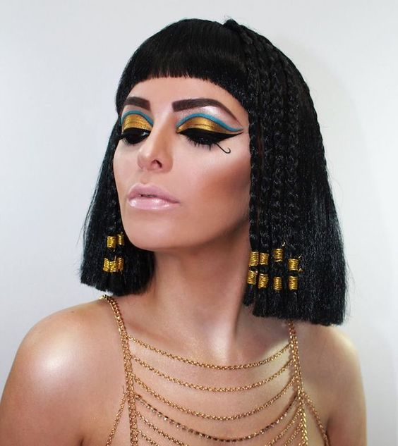 Pretty Cleopatra makeup looks for Halloween