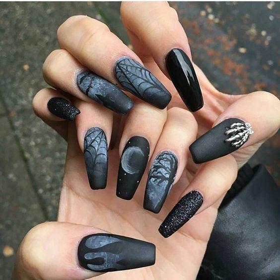 Black Halloween nails