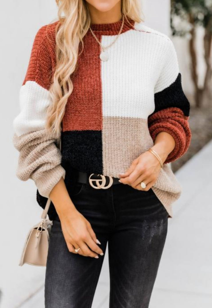 Color blocking sweater outfit with Gucci belt perfect for Thanksgiving