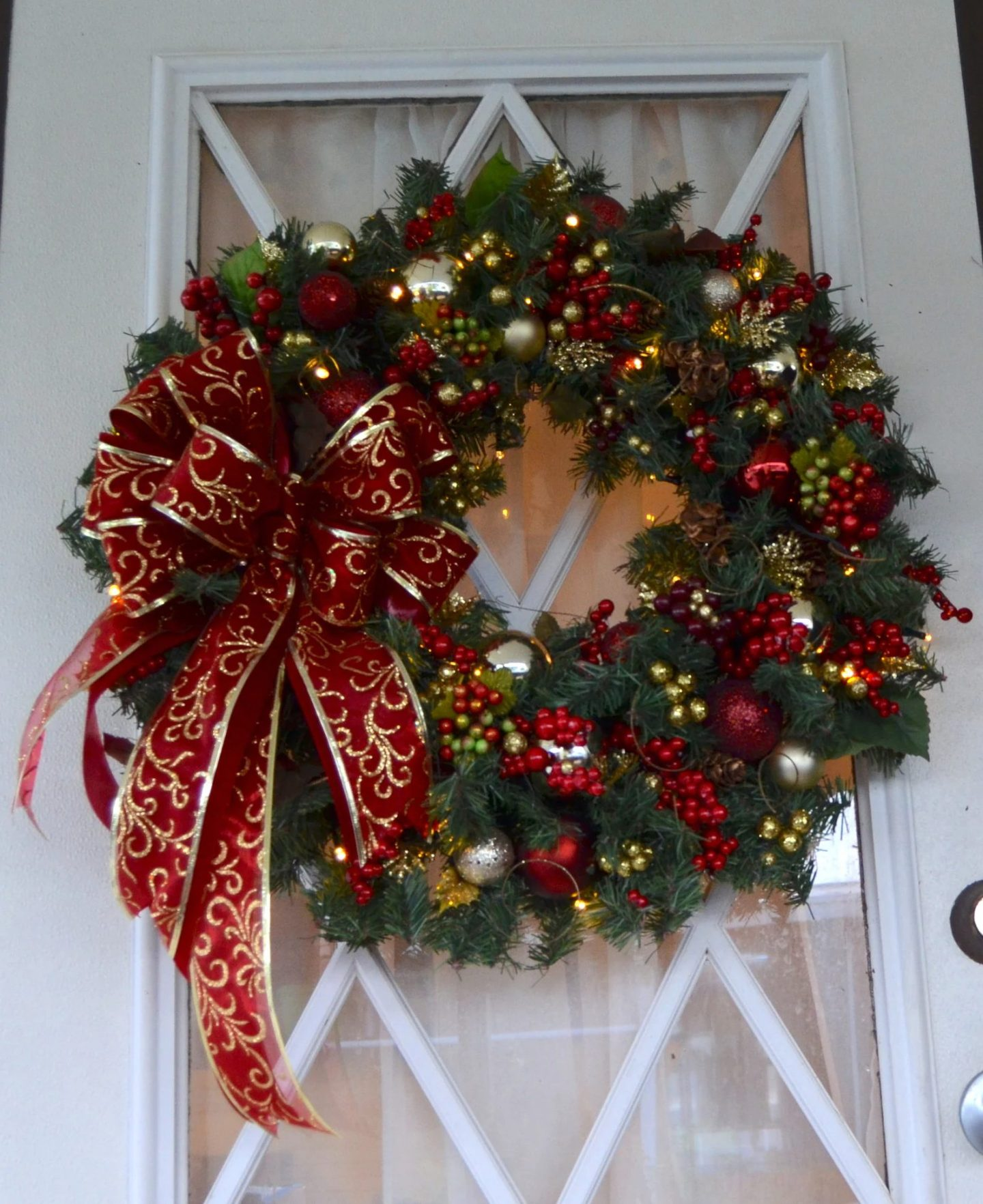 XL Christmas wreath with red bow