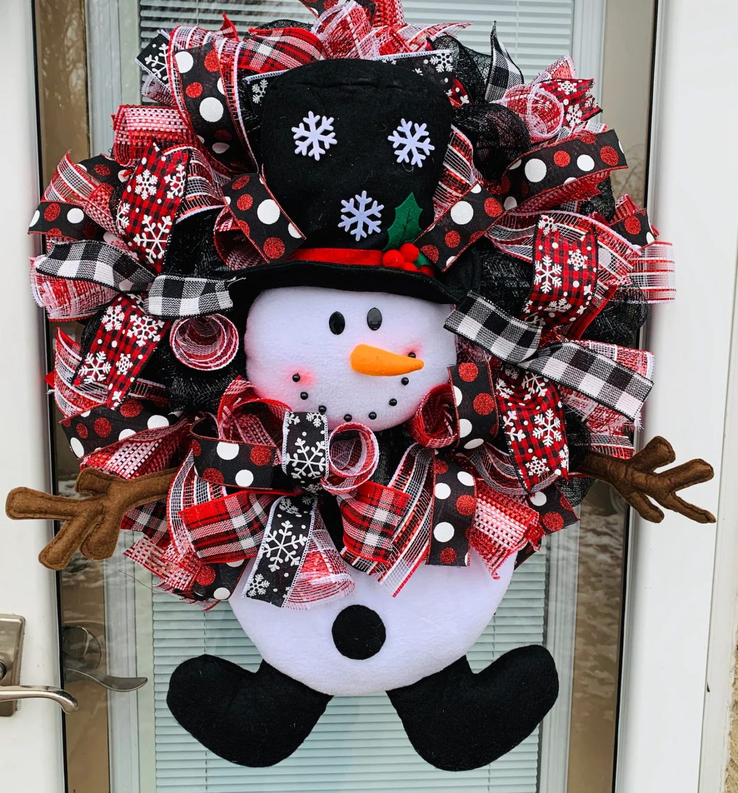 Black and red snowman wreath with deco mesh