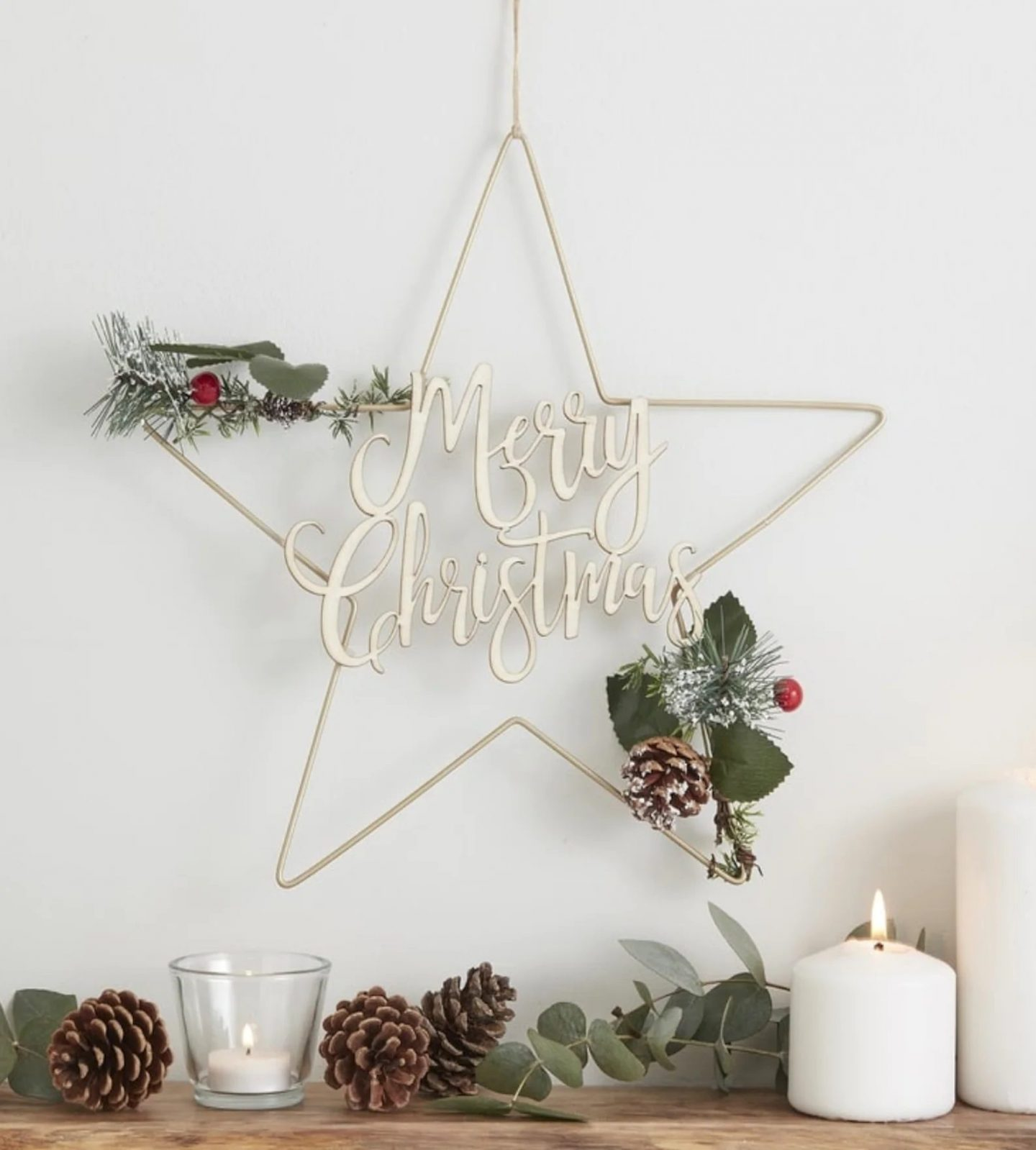 Metallic Merry Christmas Star Wreath