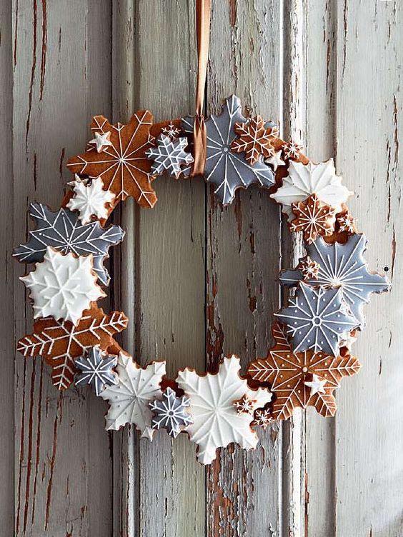 DIY gingerbread cookie wreath