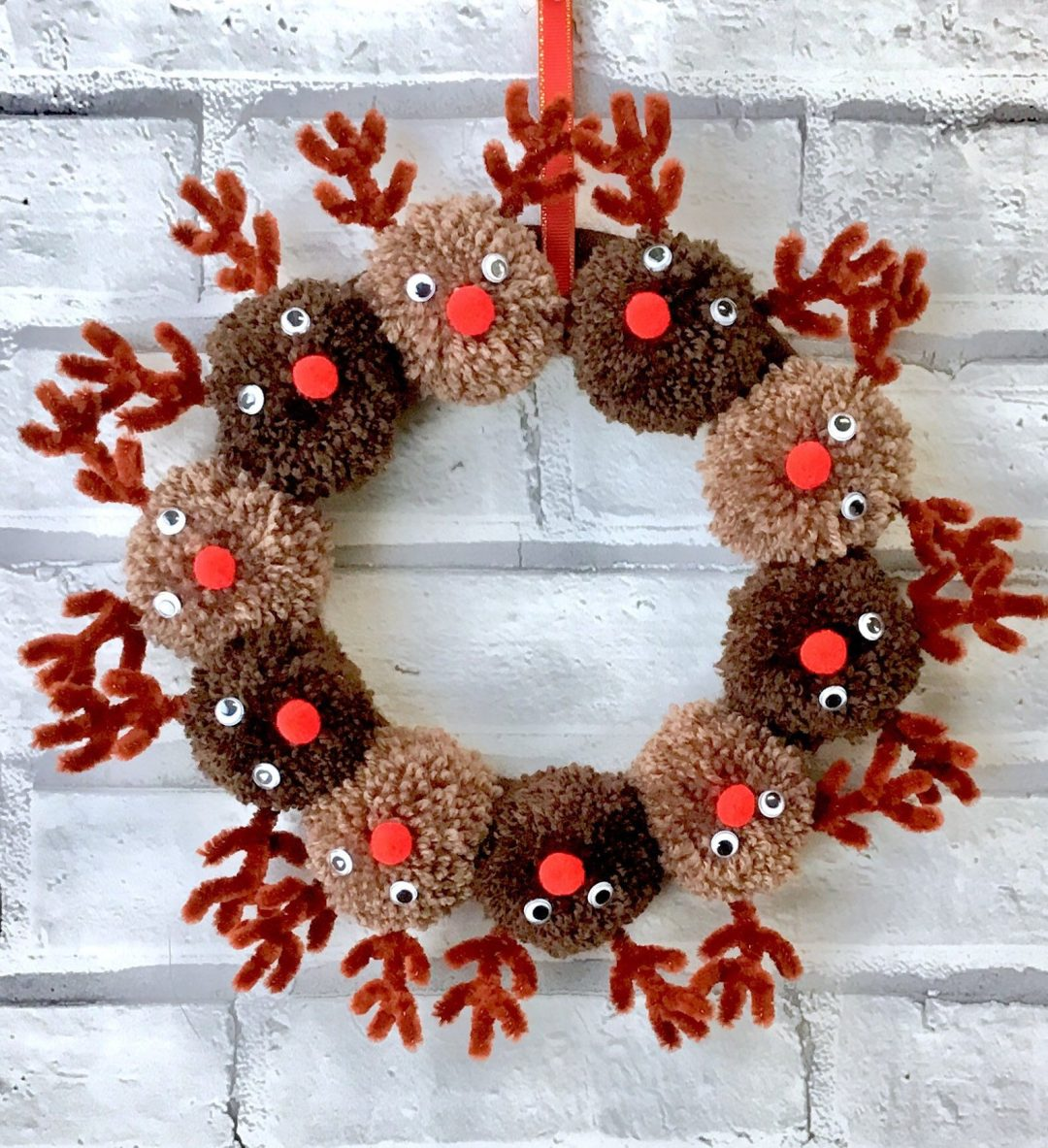 Pom pom wreath with Rudolph the red nosed reindeer