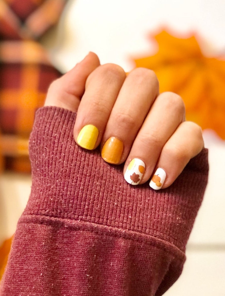 Short fall nails with leaves