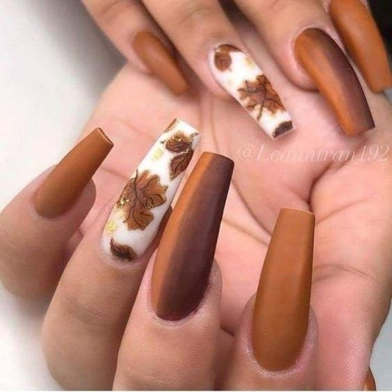 Acrylic coffin fall nail designs with brown nails