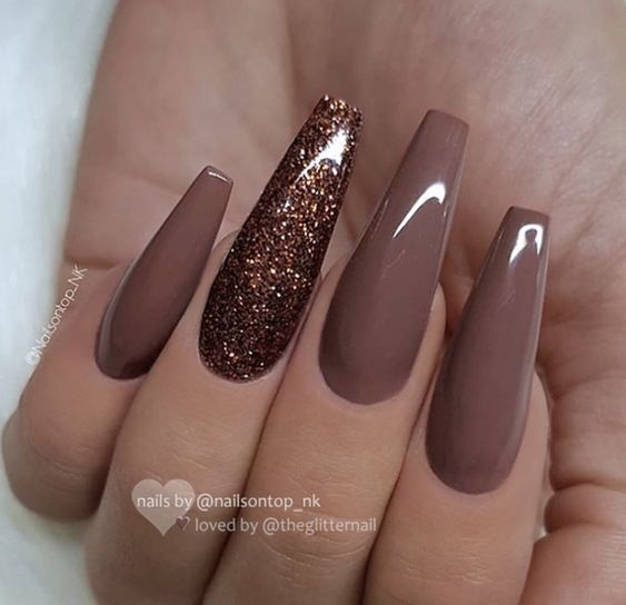Taupe nude acrylic coffin fall nails with glitter