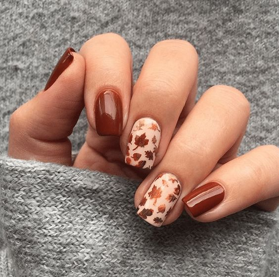 Autumnal nails with leaves