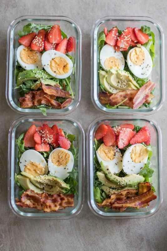 Whole30 Bacon & Strawberry Breakfast Salad Meal Prep