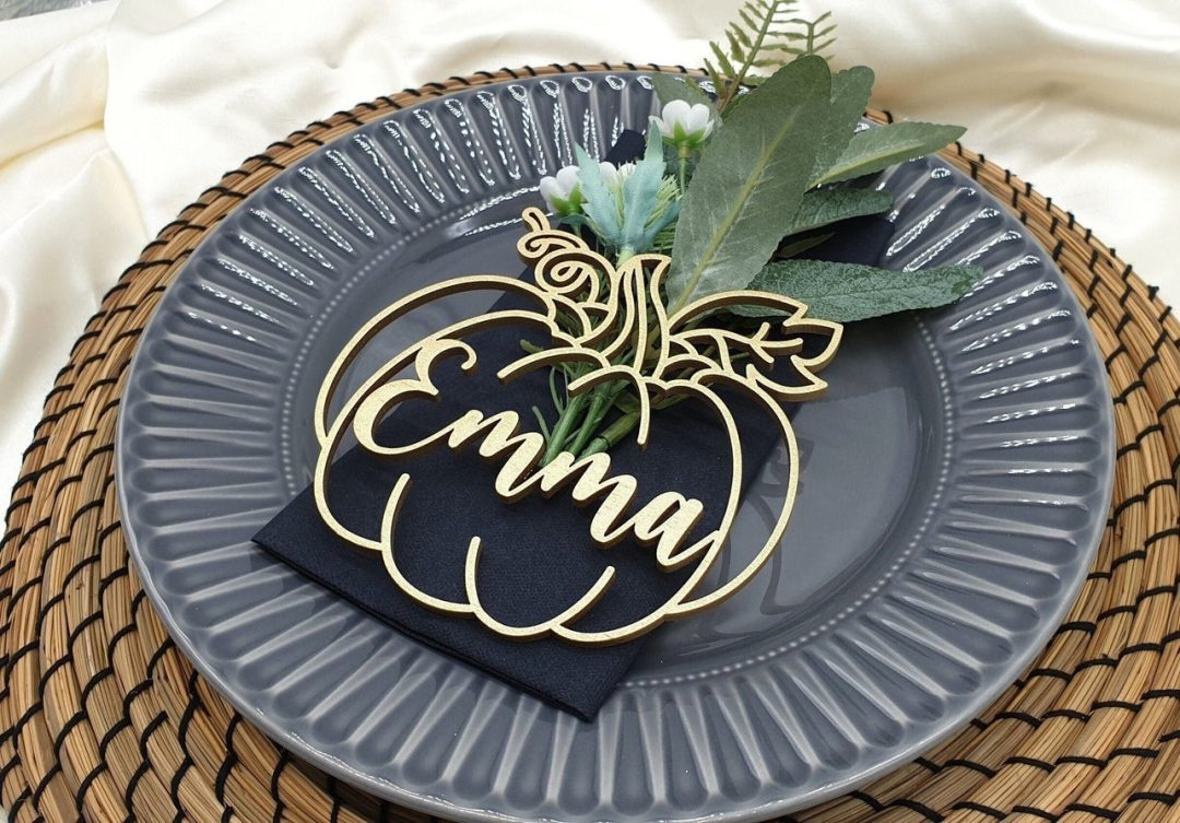 Gold pumpkin name tags for Thanksgiving