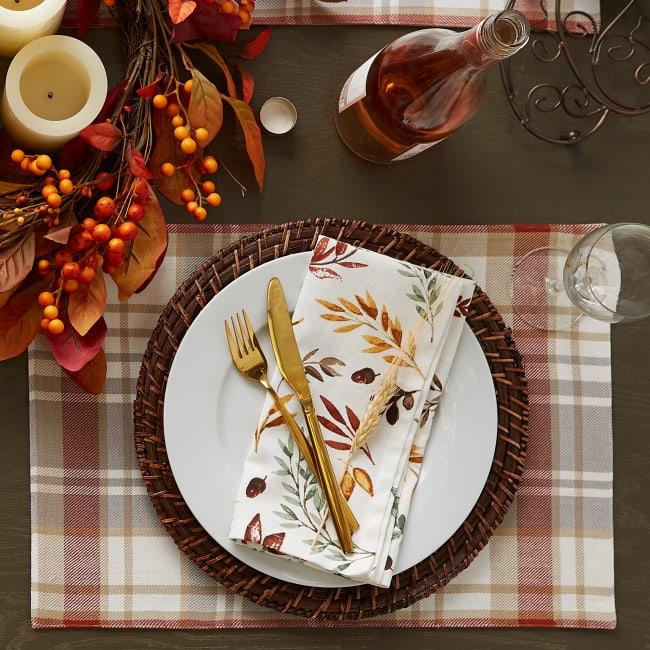 Rustic Thanksgiving table settings