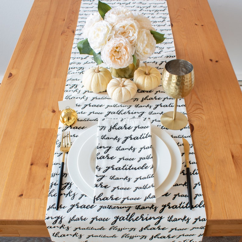 Elegant Thanksgiving Table Runner With Meaningful Quotes