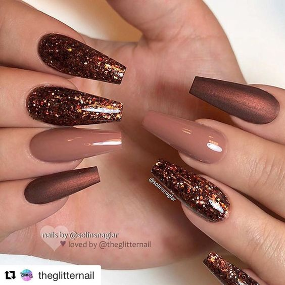 Acrylic Thanksgiving nails with metallic browns