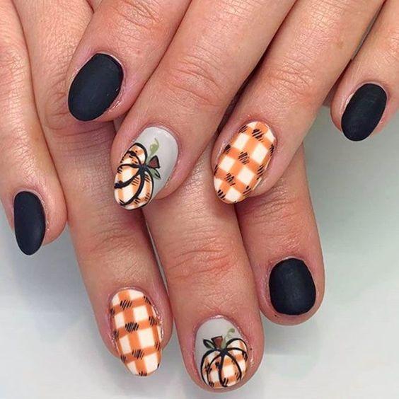 Cute pumpkin nails with plaid