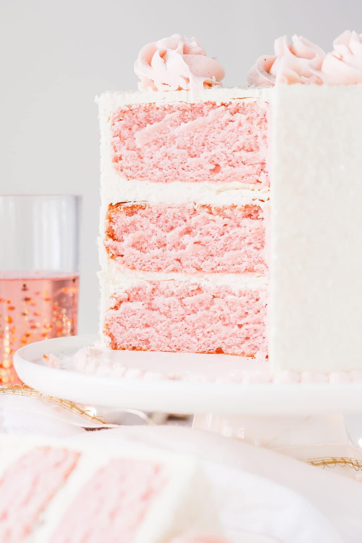 Cute Valentine's Day Cake: Pink Champagne Cake