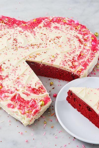 Easy Valentine's Desserts: Heart Shaped Cake
