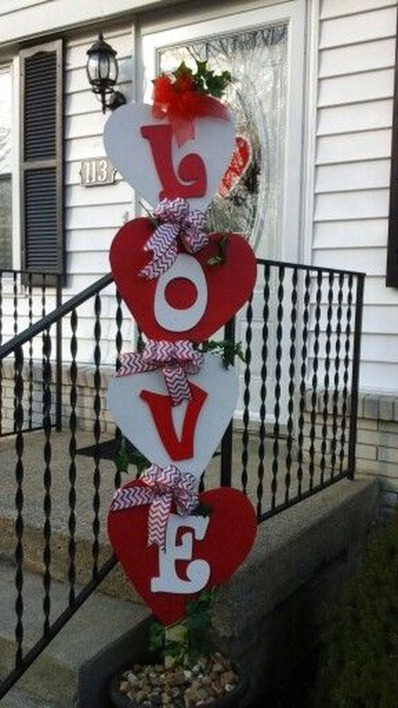 DIY Love sign for outdoor decor