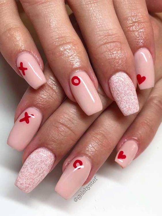 50+ Cute Valentine's Day Nails You'll Actually Love