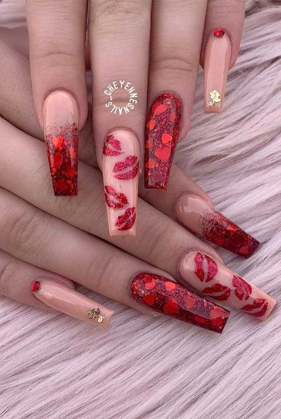 Cute red Valentine's day nails with nail art