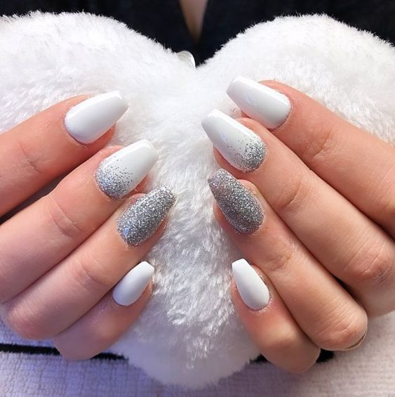White winter nails with glitter