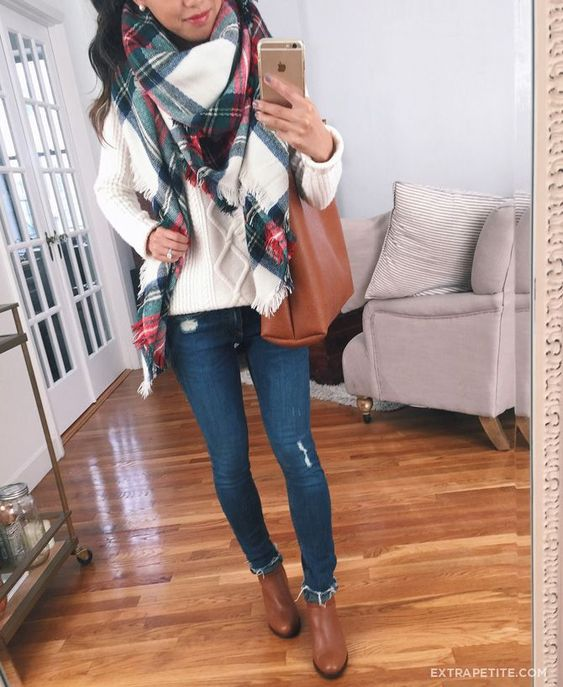 Casual fall looks with plaid scarf