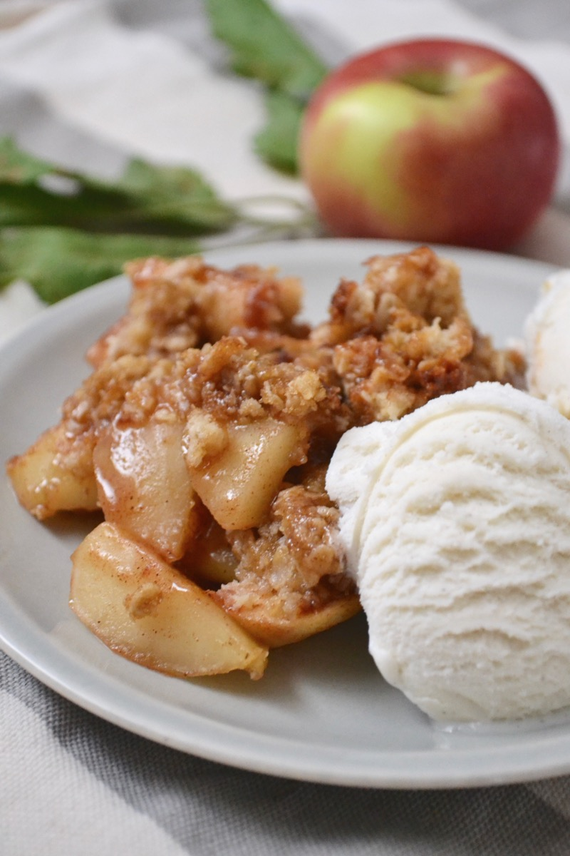 Perfectly Crumbly Apple Crisp