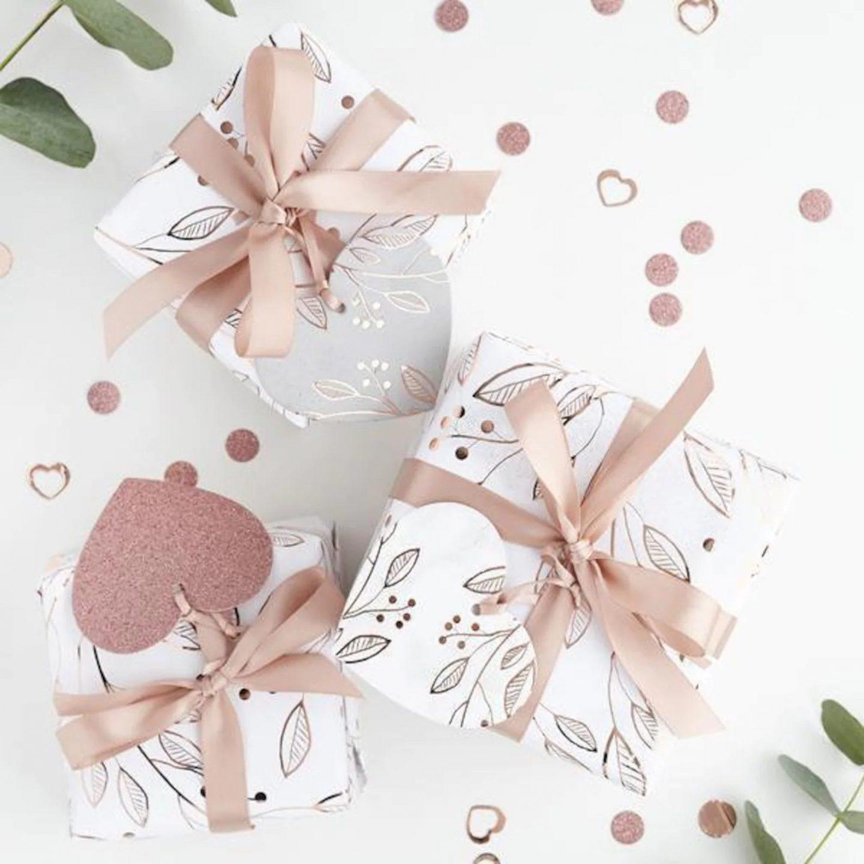 Rose Gold & Feminine Christmas gift wrapping idea