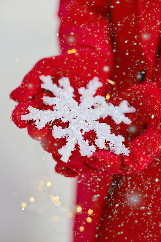 Festive snowflake iphone wallpaper
