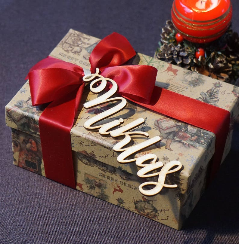 Elegant Christmas gift wrapping ideas with Wooden Name Tag