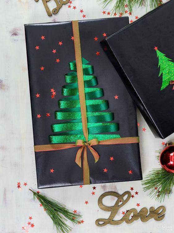 Creative Christmas Tree Gift Wrapping Idea