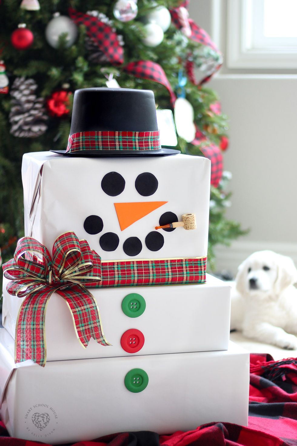 Creative Christmas wrapping ideas: snowman wrapping