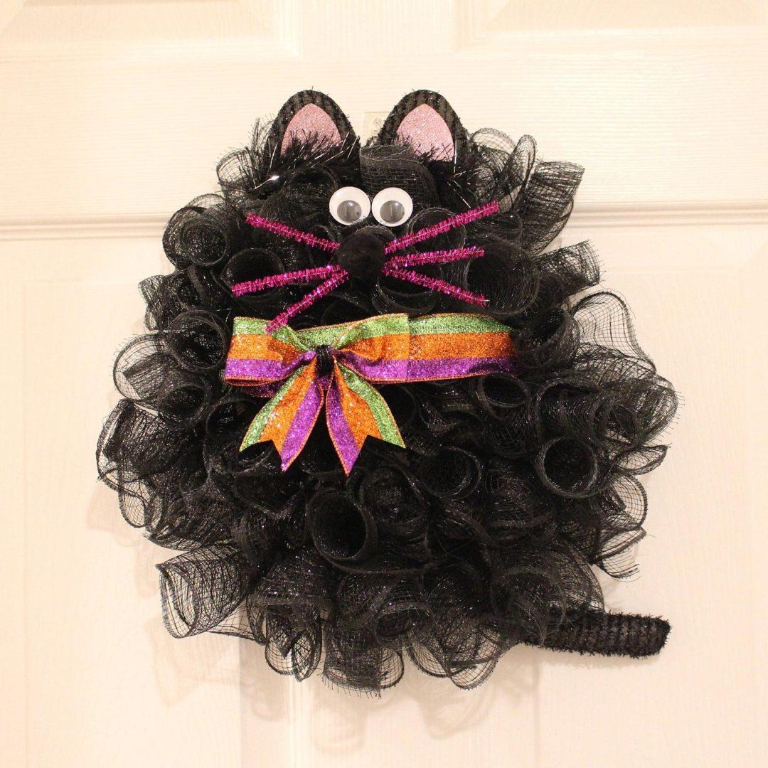 Cute black cat wreath, black deco mesh Halloween wreath