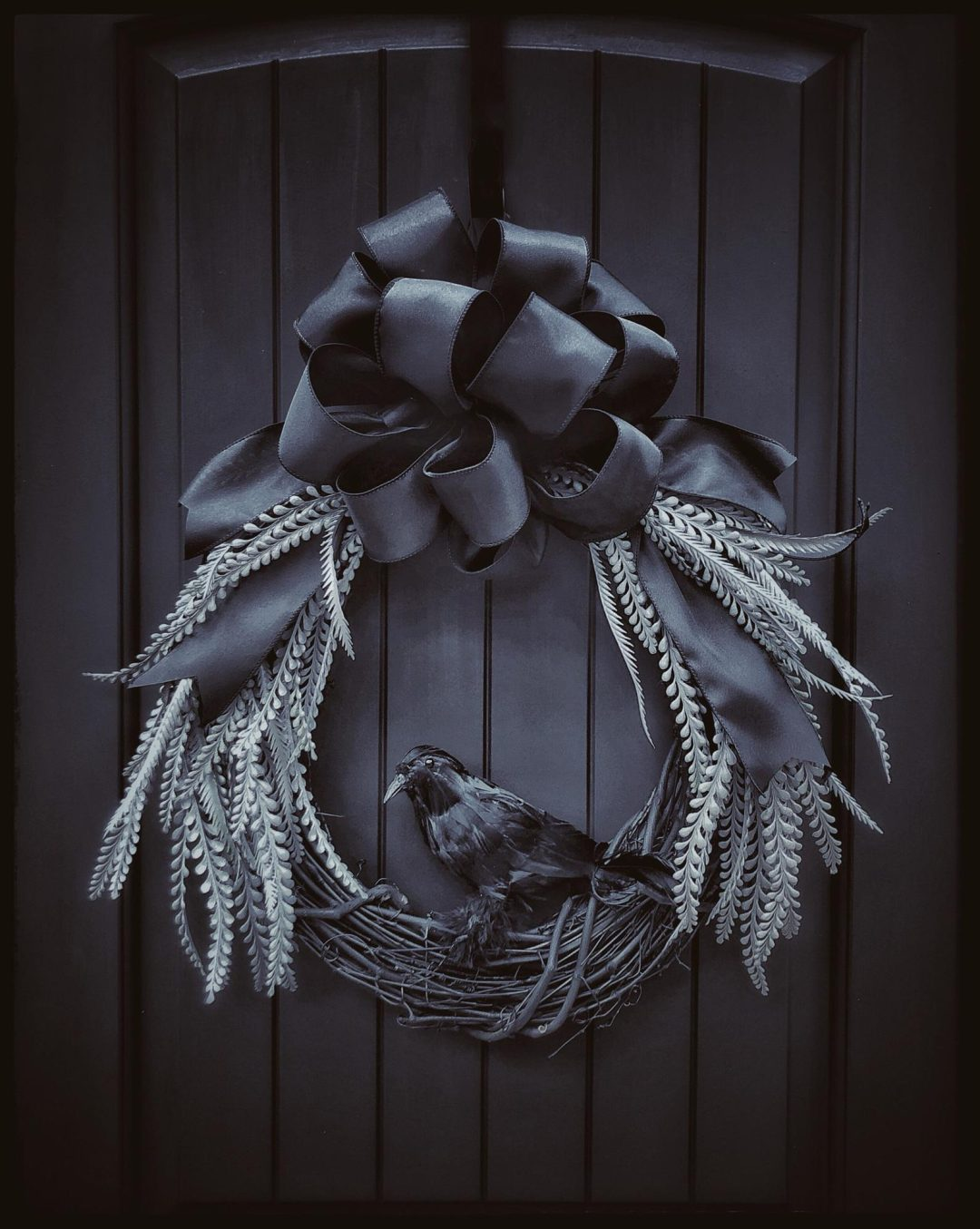 Elegant and modern black Halloween wreaths