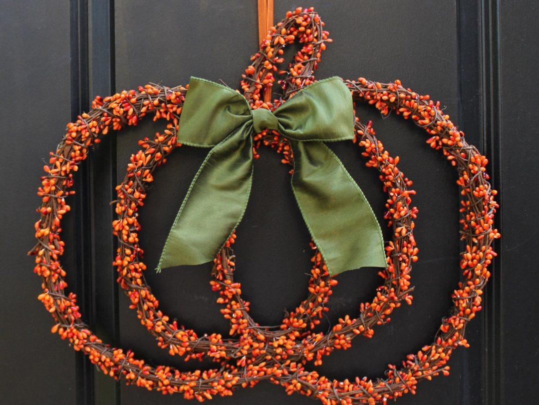 Cute and elegant pumpkin wreath