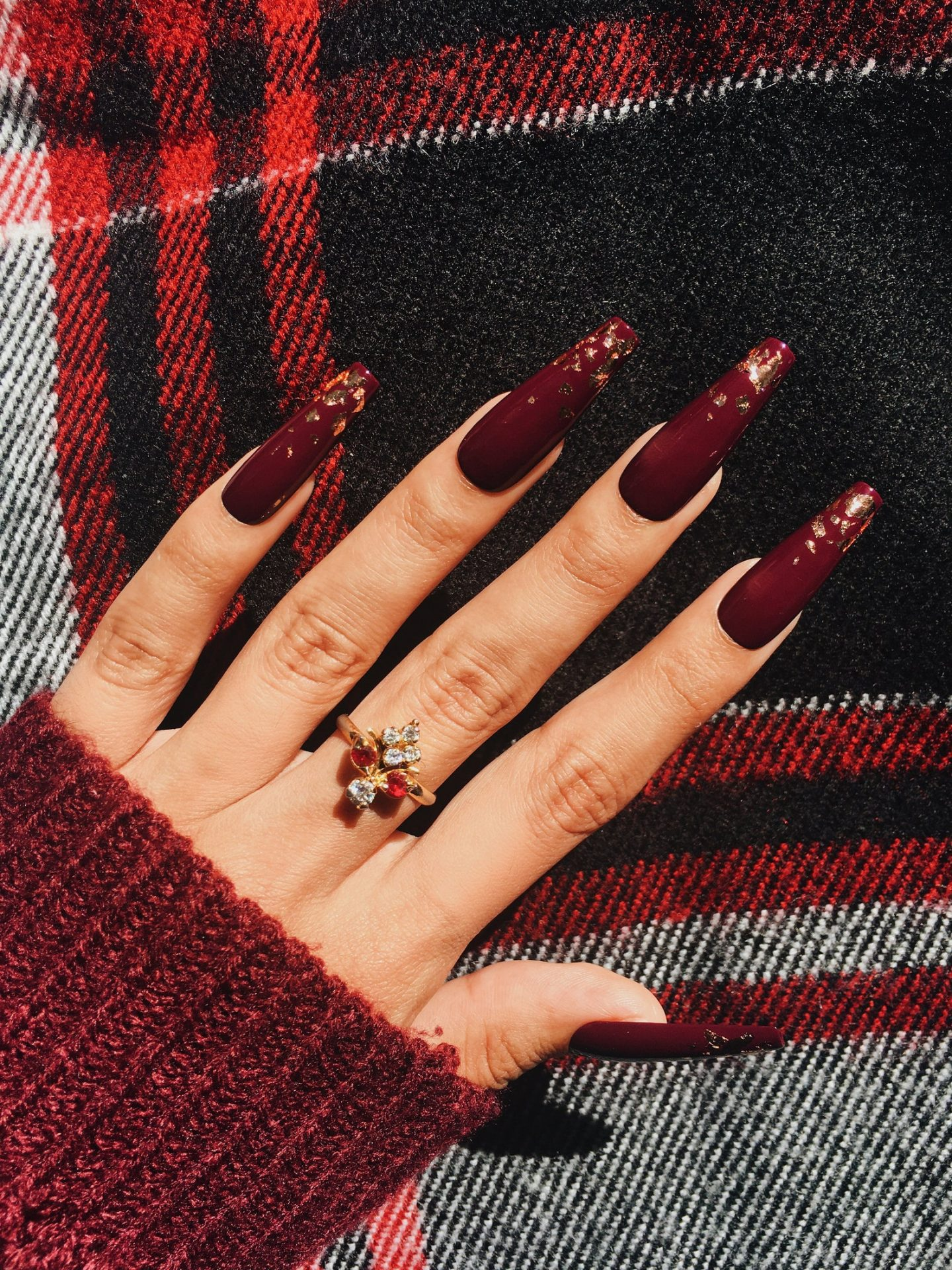 elegant plum fall nails with gold foil
