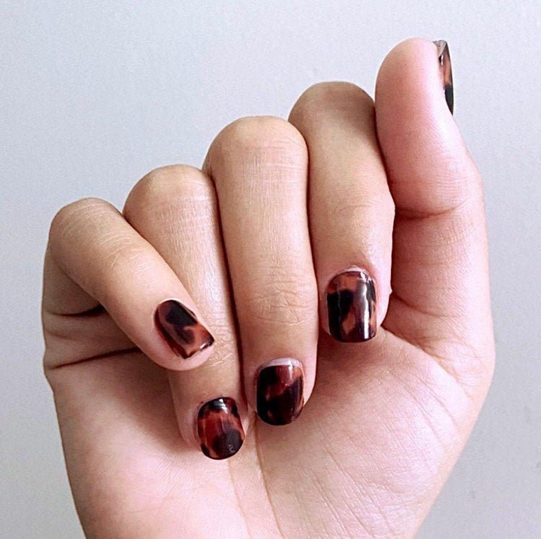 Cute short tortoiseshell nails