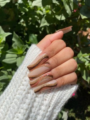 45 Magical Swirl Nails For That Groovy Retro Vibe