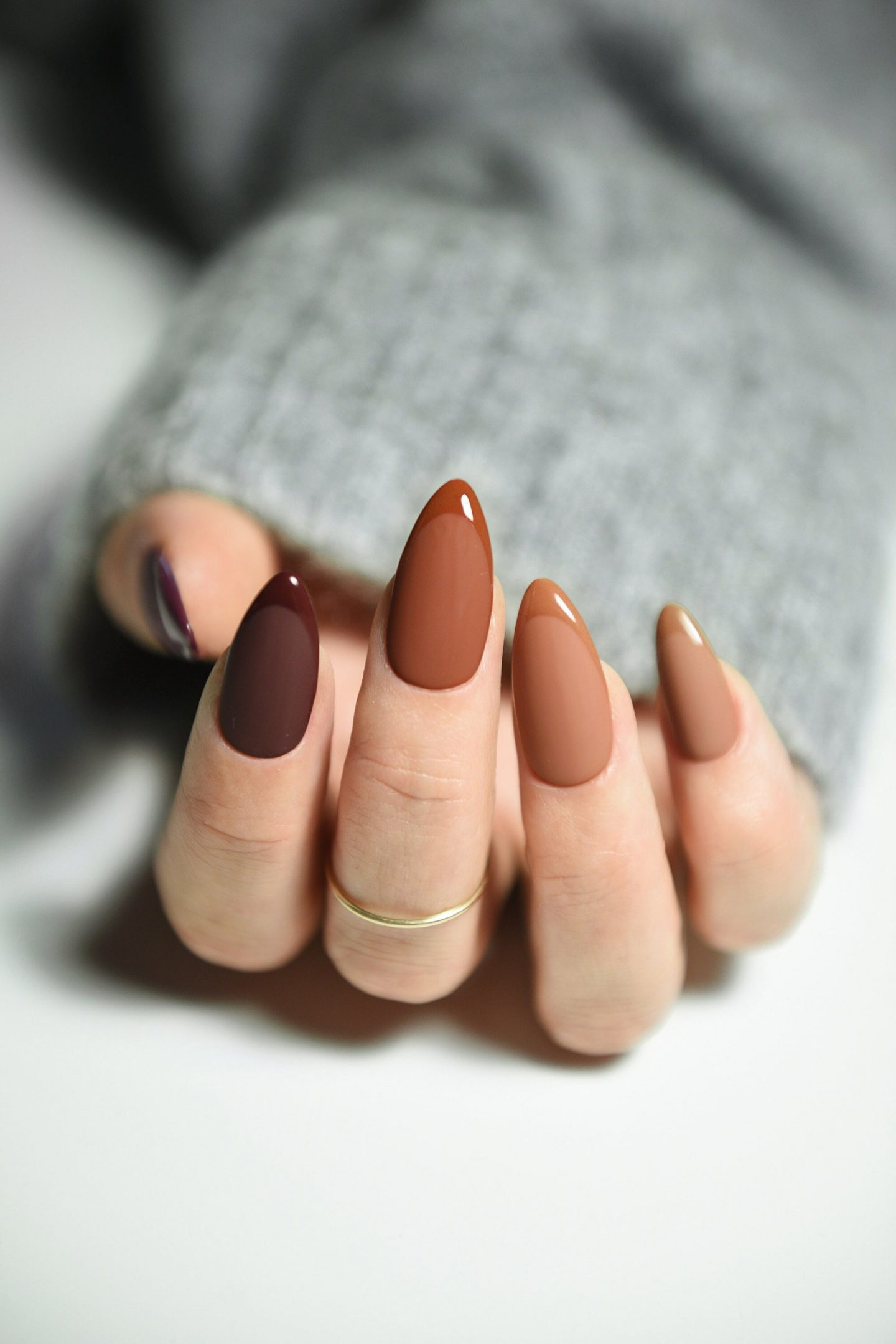 Brown ombre Thanksgiving nails