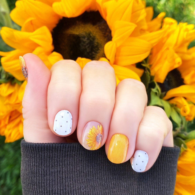Short Sunflower Nails for fall