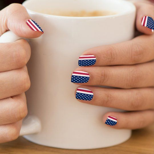 Cute short 4th of July nails with American flag