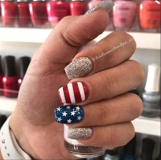 Cute 4th of July nail ideas with glitter