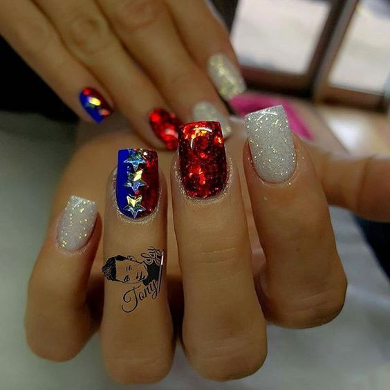 Easy white, red and blue glitter nails for 4th of July