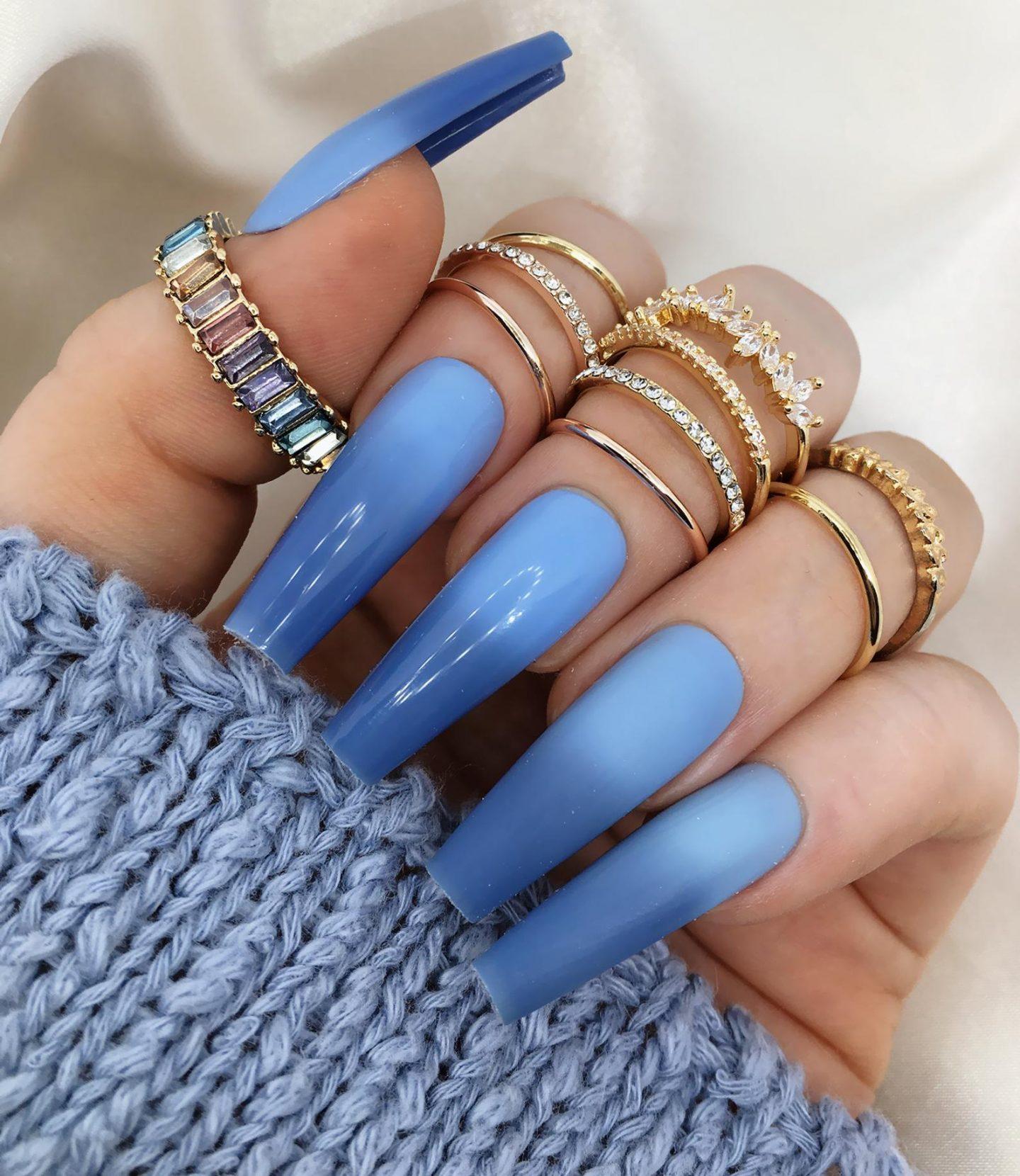 Dark blue ombre nails