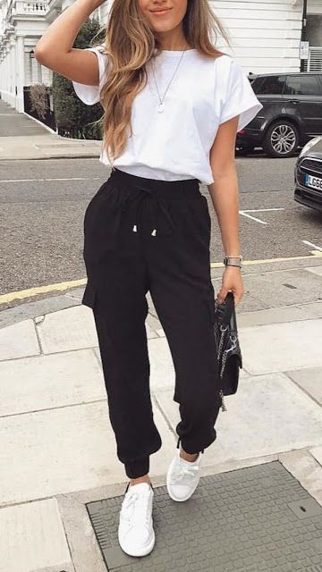 Casual outfits with black sweatpants