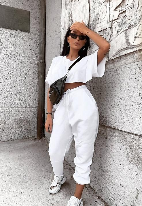 White casual outfits with sweatpants
